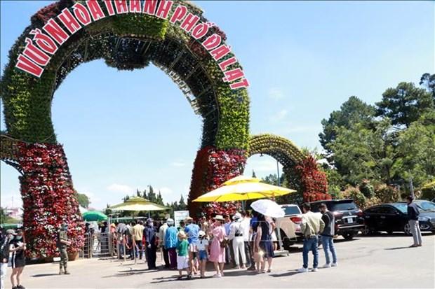 Da Lat recibe a 58 mil visitantes durante feriados en Vietnam hinh anh 1