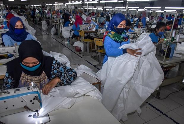 Disminuye produccion manufacturera de Indonesia en abril hinh anh 1
