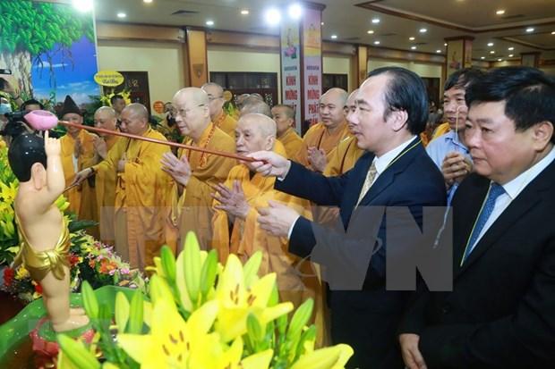 Celebran en Hanoi aniversario del nacimiento de Buda hinh anh 1