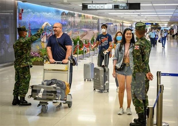Tailandia podria volver a aplicar restricciones drasticas contra propaganda de COVID-19 hinh anh 1