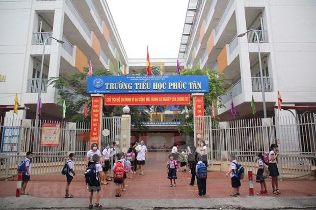 Escuelas de Hanoi reabren sus puertas hinh anh 1