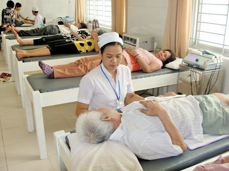 Lanzan concurso fotografico de enfermeros en lucha contra COVID-19 hinh anh 1