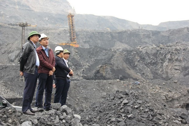 Sector minero de Vietnam por aumentar productividad mediante la mecanizacion hinh anh 1