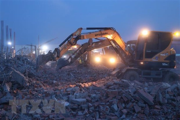 Premier de Vietnam pide acciones inmediatas para lidiar con secuelas de accidente laboral hinh anh 1