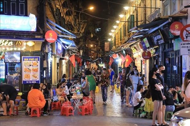 CNN: Vietnam empieza su vuelta gradual a la normalidad hinh anh 1