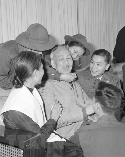 Coloquio sobre pensamientos y etica del Presidente Ho Chi Minh hinh anh 1