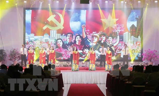 Efectuan numerosas actividades para destacar vida del Presidente Ho Chi Minh hinh anh 1