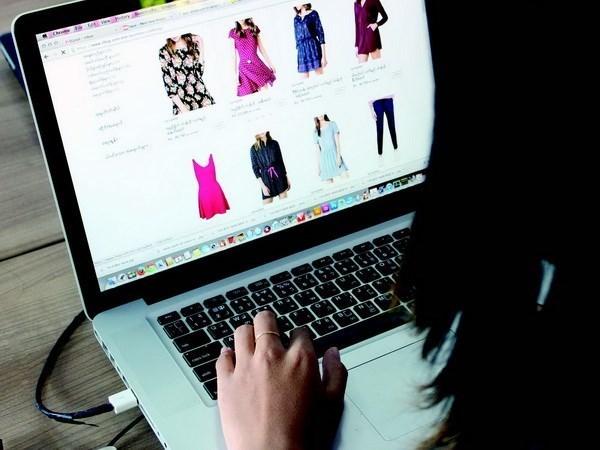 Mas de la mitad de la poblacion vietnamita participara en compras electronicas en 2025 hinh anh 1