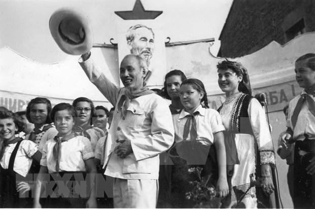 Prensa argelina enaltece aportes de Ho Chi Minh a la liberacion nacional y el anticolonialismo hinh anh 1