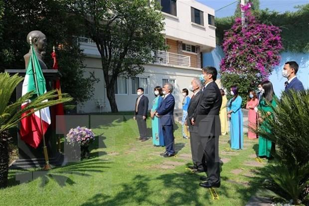 Conmemoran natalicio del Presidente Ho Chi Minh en Mexico y Camboya hinh anh 1