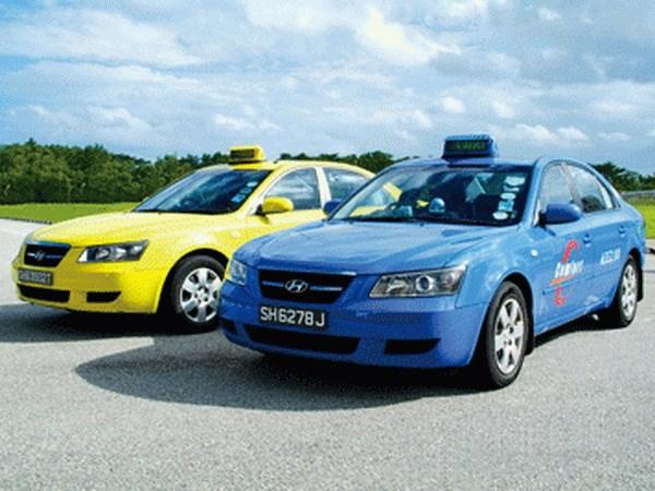 Singapur: Instalan protector plastico en taxis a evitar contagio de COVID -19 hinh anh 1