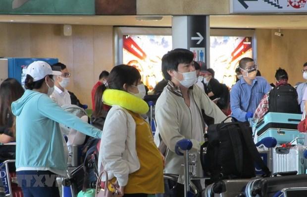 Repatrian a 340 ciudadanos vietnamitas de Japon a causa del COVID-19 hinh anh 1