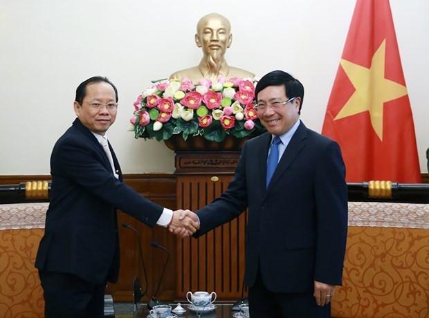 Viceprimer ministro de Vietnam recibe a embajador camboyano hinh anh 1