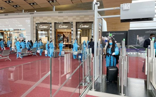 Vietnam refuerza medidas preventivas contra coronavirus en aeropuertos hinh anh 1