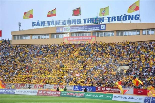 Vietnam, primer pais del Sudeste Asiatico en reanudar torneo de futbol con espectadores hinh anh 1