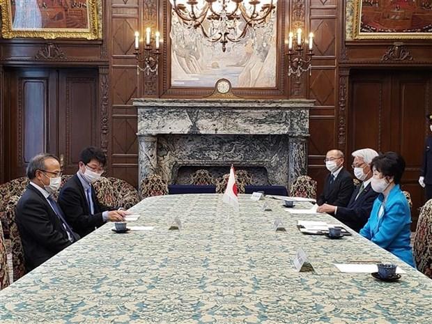 Titular del Legislativo japones alaba esfuerzos de Vietnam en lucha antipandemica hinh anh 1