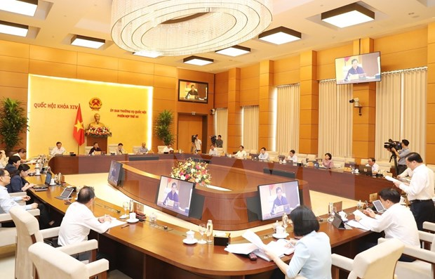 Comite Permanente del Parlamento vietnamita debate politicas especificas para Hanoi hinh anh 1