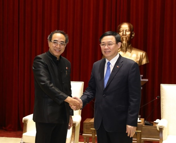Hanoi dispuesto a crear un entorno estable para empresas tailandesas hinh anh 1