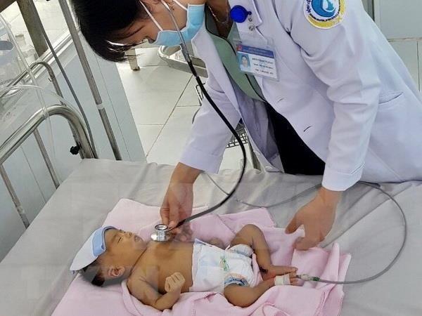 Ninos en provincia vietnamita de Vinh Phuc se benefician de examenes cardiovasculares hinh anh 1