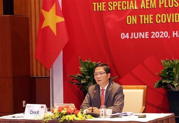 Ministros de economia de ASEAN acuerdan reducir barreras tecnicas hinh anh 1