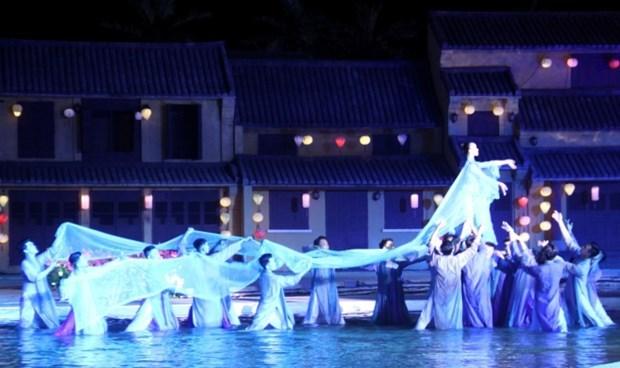 Destacan en Festival Ao Dai de Hoi An valores culturales de Vietnam hinh anh 1