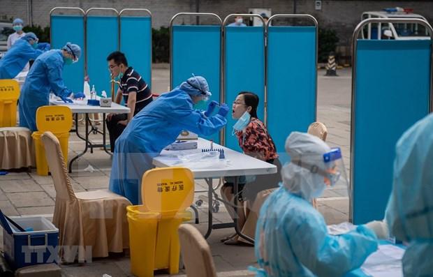 Tailandeses siguen preocupados por el riesgo de COVID-19 desde extranjero hinh anh 1