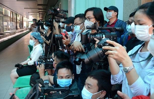 Resaltan papel de periodistas vietnamitas al conectar, representar y defenbder los intereses del pueblo hinh anh 1