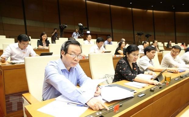 Asamblea Nacional de Vietnam continua debates sobre importantes proyectos de ley hinh anh 1