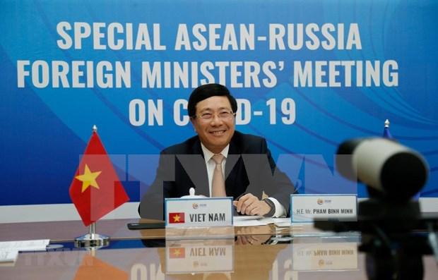 Exhorta Vietnam mayor cooperacion Rusia-ASEAN en lucha contra COVID-19 hinh anh 1