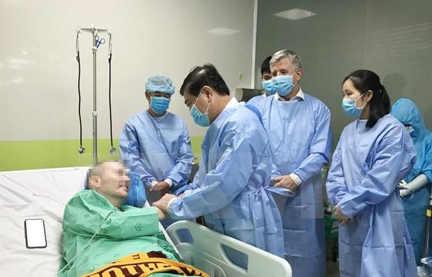 Con increible evolucion de salud, el paciente mas grave del COVID-19 ya no necesita trasplante pulmonar hinh anh 1
