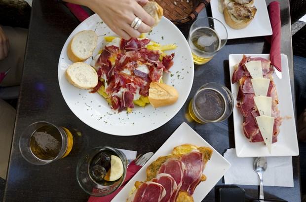 Popularizaran gastronomia espanola en Hanoi hinh anh 1