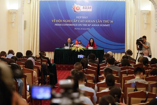 Cumbre de ASEAN abordara impacto socioeconomico de COVID- 19 hinh anh 1