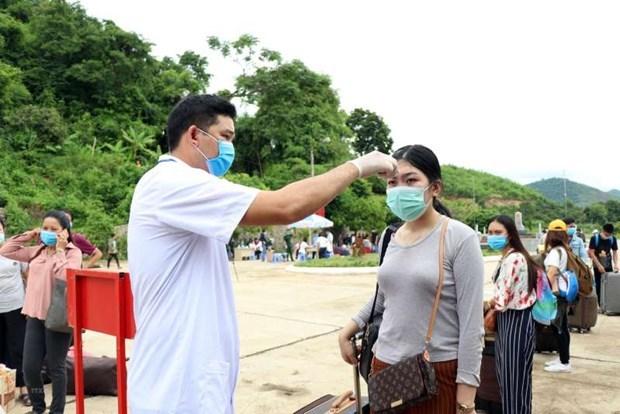Casos activos de coronavirus en Vietnam bajan tras una jornada sin nuevos positivos hinh anh 1