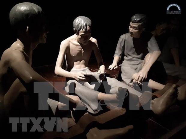 Lanzan nuevo programa de recorrido por prision de Hoa Lo hinh anh 1