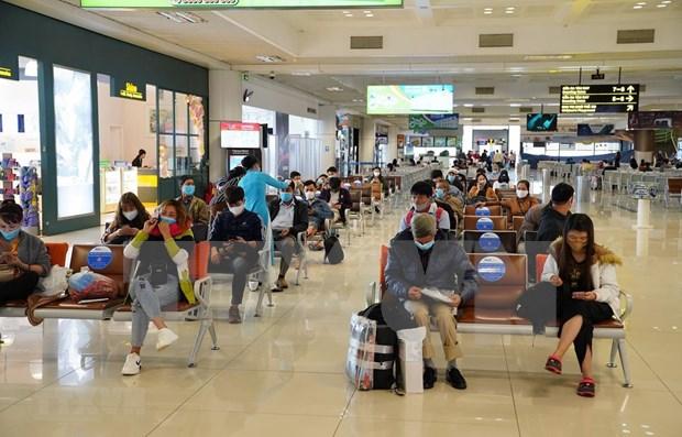 Aeropuerto de Noi Bai restablece por completo transporte de pasajeros nacionales hinh anh 1