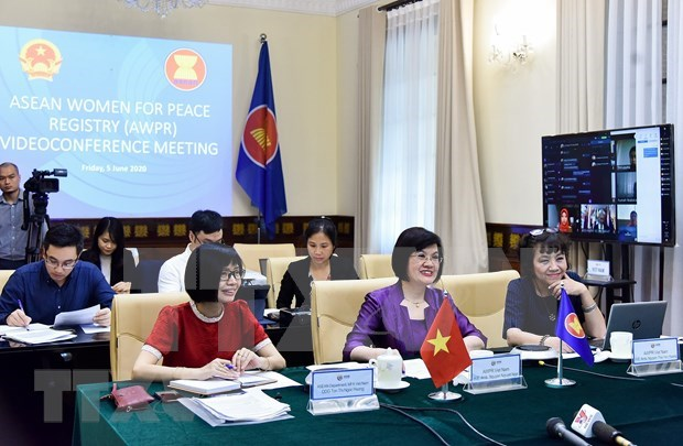 ASEAN auna esfuerzos para empoderar a las mujeres en la era digital hinh anh 1