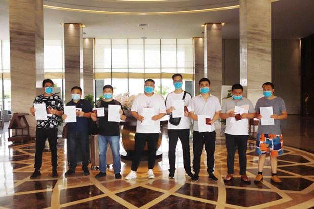 Vietnam: Expertos foraneos terminan tiempo de cuarentena por COVID-19 hinh anh 1