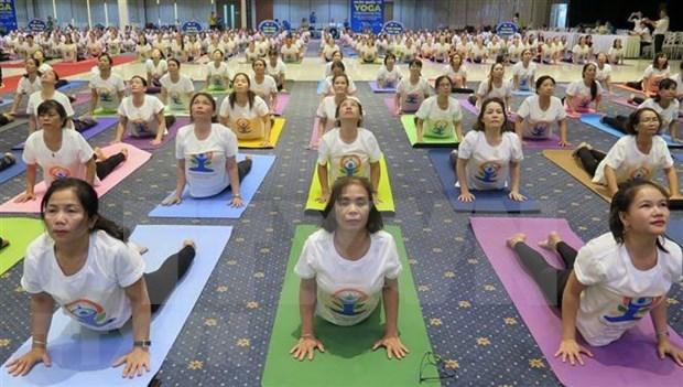 Provincia vietnamita acoge Dia Internacional del Yoga hinh anh 1