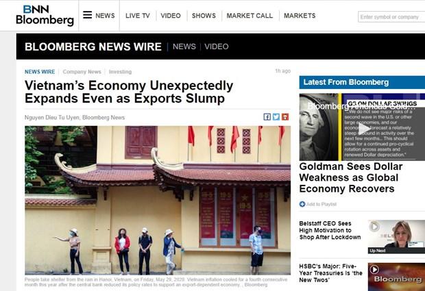 Economia vietnamita crece mas de lo previsto, segun agencia estadounidense hinh anh 1