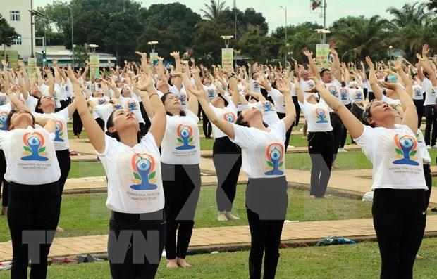 Celebran sexto Dia Internacional del yoga en provincia vietnamita de Ninh Thuan hinh anh 1
