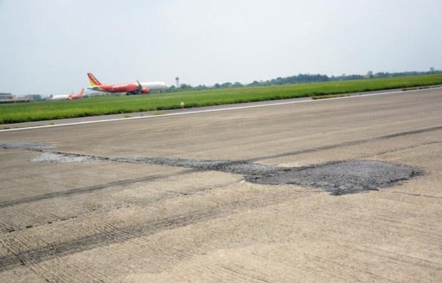Inician obras de mejoramiento de pistas de aeropuertos Noi Bai y Tan Son Nhat hinh anh 1