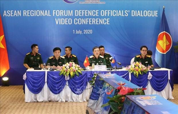Efectuan dialogo de oficiales de defensa del Foro Regional de ASEAN hinh anh 1