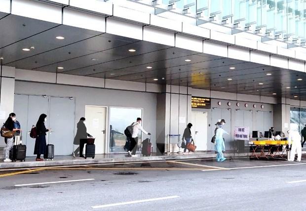Emite Vietnam regulaciones sobre entrada y salida de extranjeros hinh anh 1