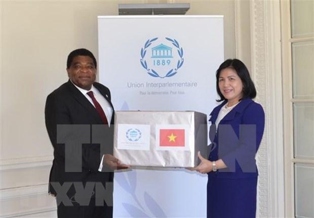 Obsequia Vietnam mascarillas sanitarias a la Union Interparlamentaria hinh anh 1