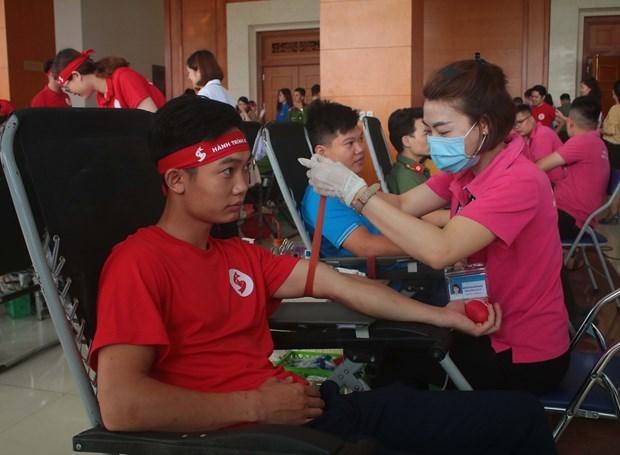 """Programa humanitario """"Recorrido Rojo"""" recolecta 10 mil unidades de sangre en Vietnam hinh anh 1"""