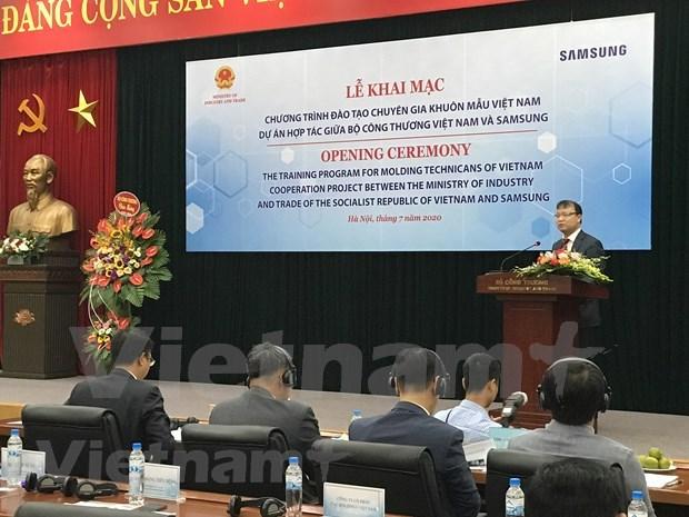 Vietnam y Samsung cooperan en formacion de especialistas en moldes hinh anh 1