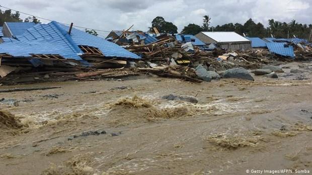 Aumenta a 21 el numero de muertos por inundaciones en Indonesia hinh anh 1