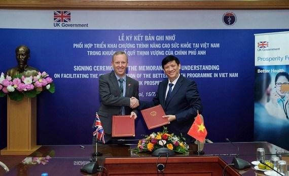 Reino Unido apoya programa de mejora de salud de Vietnam hinh anh 1