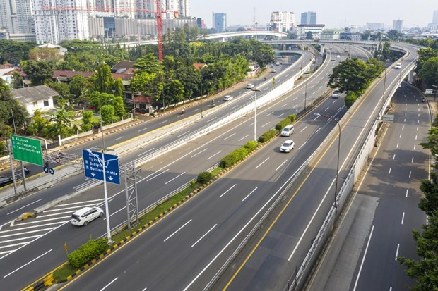 Yakarta extiende restricciones sociales de transicion a gran escala hinh anh 1