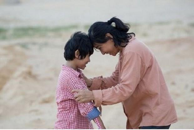 """Pelicula vietnamita """"Felicidad de mama"""" inaugura la Semana de Cine de la ASEAN 2020 hinh anh 1"""